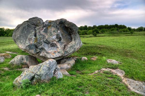 Конь-Камень