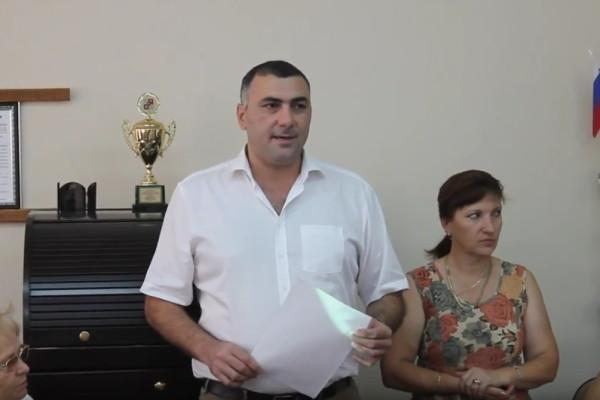 Выступление председателя ТОС Сарибека Гюльбангяна