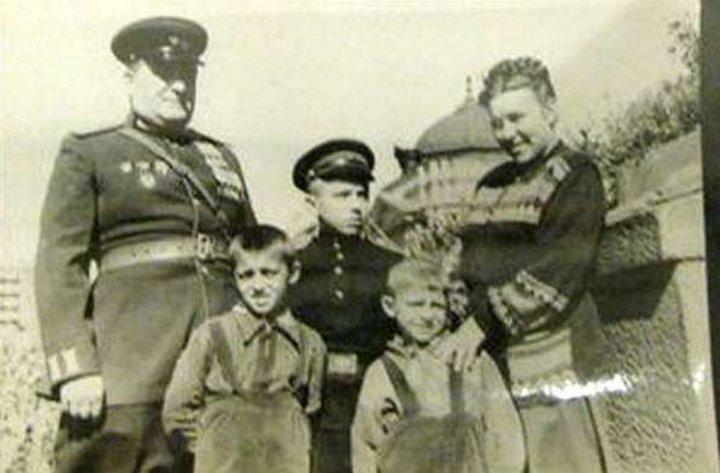 Алёшков
