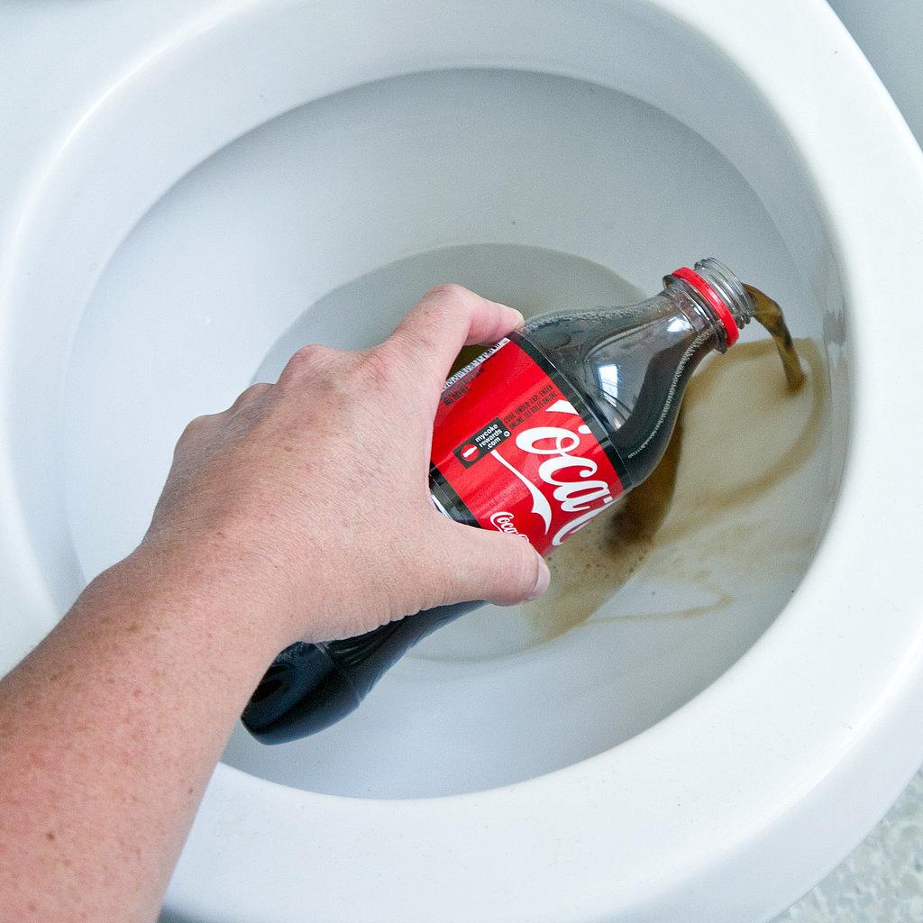 cola-toilet-2