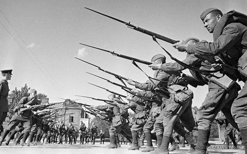 После войны Сталин возобновил интенсивное расследование причин невероятной трагедии 22 июня 1941 г.