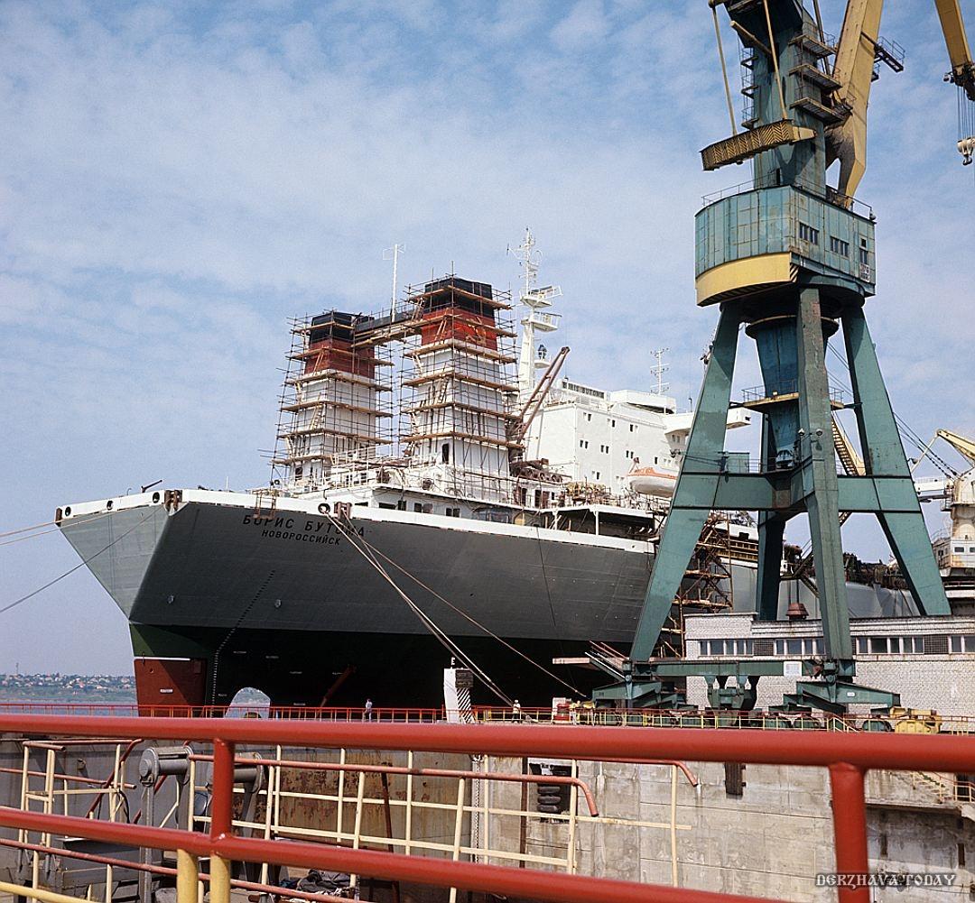 Наличие крупнейшего в СССР центра кораблестроения в Николаеве позволяло Украине на многих смотреть с высока