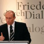 Как Путин «пляшет под дудку Запада»